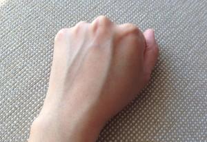 2015年5月21日の私の手の甲