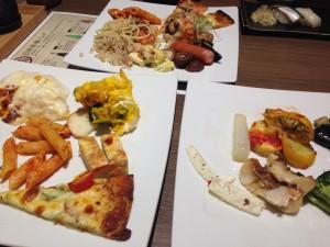 鶴賀ビュッフェダイニング札幌料理全体